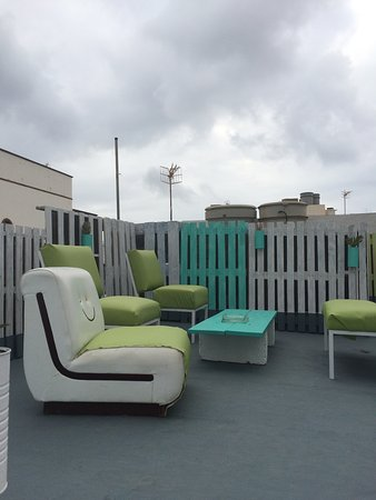 zona comune - terrazzo - Picture of Manipa Hostel Eco-Friendly ...