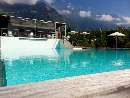 Stylisches Pool Ideal Zum Relaxen Bild Von Design Hotel Tyrol
