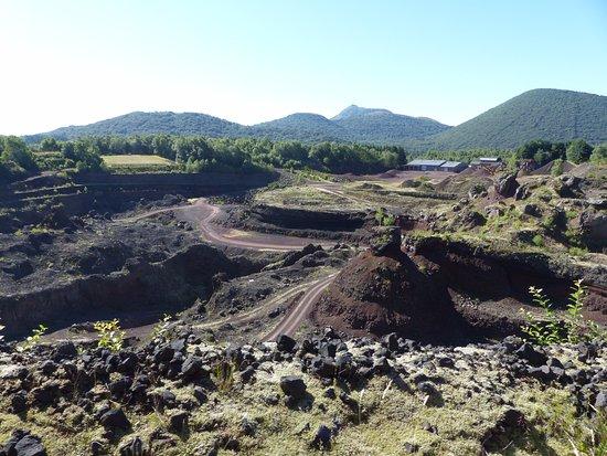 Volcan De Lemptgy Intrieur Du Exploitation La Pouzzolane