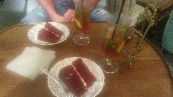Le Cupcakes di Melissa: Red Velvet cake ed infuso freddo di The nero con menta e Lime