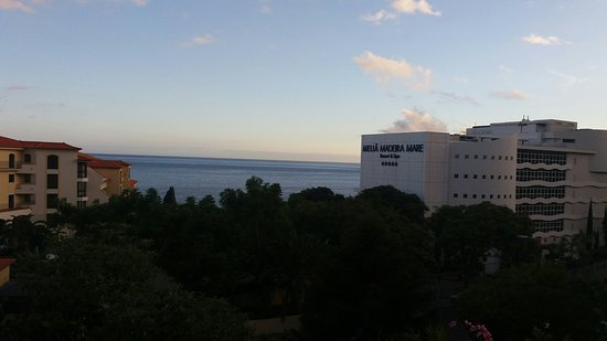 Melia Madeira Mare Resort & Spa: 20160825_201430_large.jpg