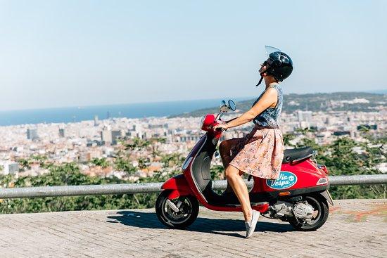 Via Vespa Rent a scooter: Vistas desde el Tibidabo