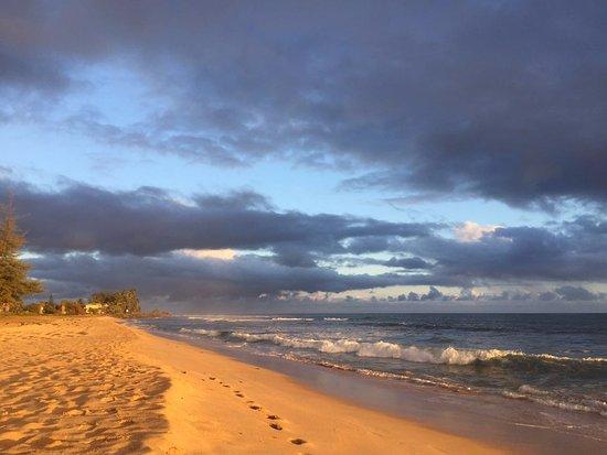 Hanapepe, HI: beach at dawn