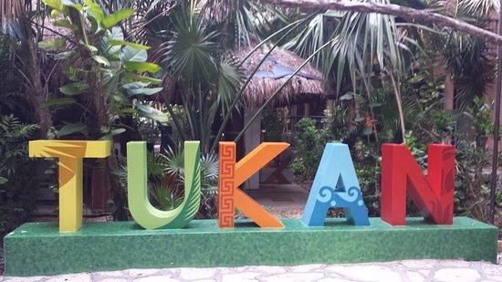 El Tukan: logo