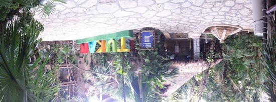 Hotel El Tukan: hall