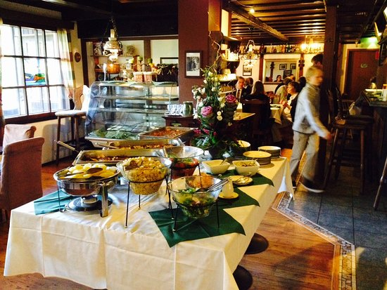 Cronin's Cafe & Guesthouse B&B: buffet