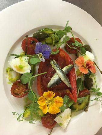 Shepton Mallet, UK: Piedmontese pepper, Laverstock mozzarella, summer flowers, tomato syrup, basil oil - lunch menu
