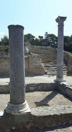 Giannutri Island, Italia: Villa romana di Giannutri, atrio esastilo con scalinata di accesso al livello superiore