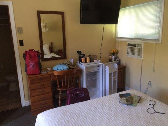 Picket Fence Motel: photo1.jpg