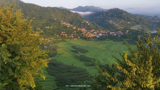 Balthali, Nepal: view from the roof and from the hill resort