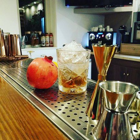 Anemos Cocktail Bar & Restaurant