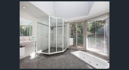 Federal, أستراليا: Deluxe Spa Bathroom