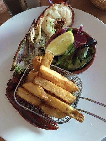 Port Ellen, UK : 1/2 homard au beurre d'ail