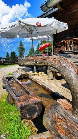 Rinn, Áustria: Reines, kristallklares Wasser
