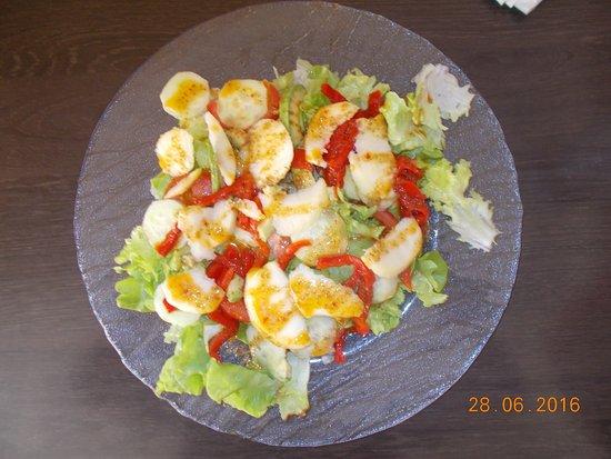 ฟัวซ์, ฝรั่งเศส: salades à base de produits frais