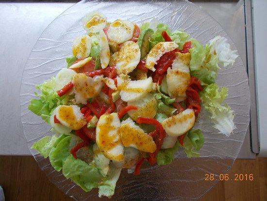 ฟัวซ์, ฝรั่งเศส: salades à base de produits régionaux