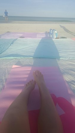 Tropical Beach Resorts: 20160827_075346_large.jpg