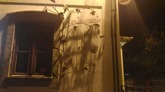 Lousa, Portugalia: P_20160828_215645_large.jpg