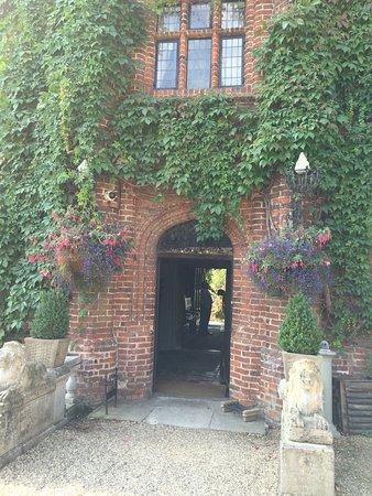 Woodbridge, UK: Seckford Hall 27/8/16  photos of room 4