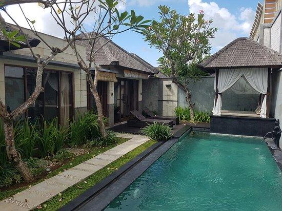 The Khayangan Villas: 20160818_101518_large.jpg