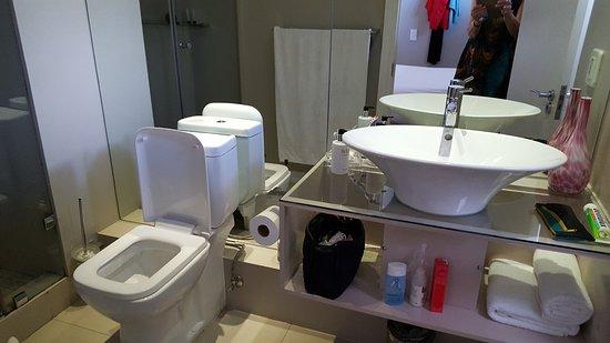 ذا هايد أول سويت هوتل: Bathroom