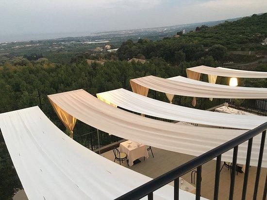 Piedimonte Etneo, Italia: Tale Restaurant&Suite