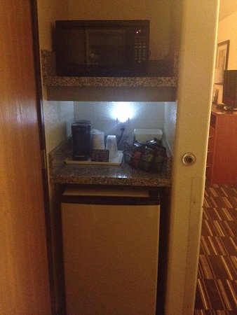 Firestone, CO: Nice little area with Fridge and microwave
