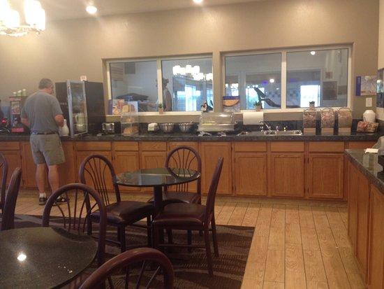 Firestone, CO: breakfast room