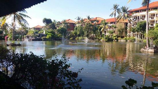 Ayodya Resort Bali: laghetto