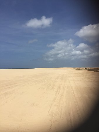 Sal Rei, Cabo Verde: Beautiful sights. Shame quads aren't up to scratch and the collection point not inviting.