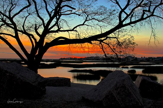 Winter sunlight fading into dusk at Galveston Island......