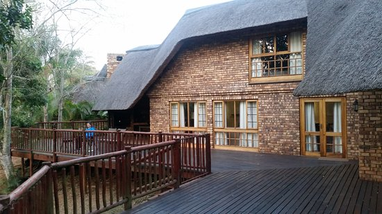 Kruger Park Lodge: Deck outside of chalet 220