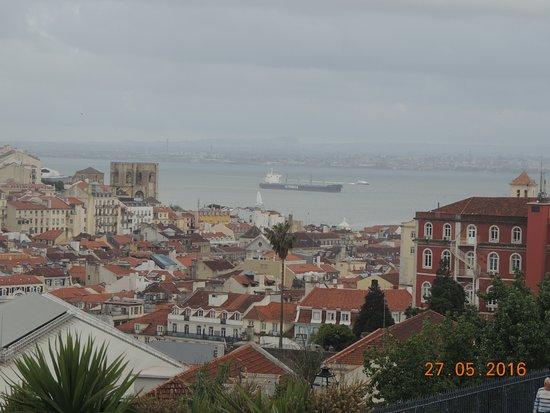 vista del mar desde el barrio alto