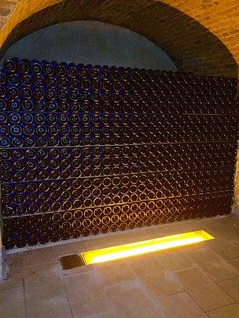 Epernay, Frankreich: Image of stacked Champagne