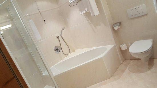 Hotel Savoy: 20160822_154134_large.jpg