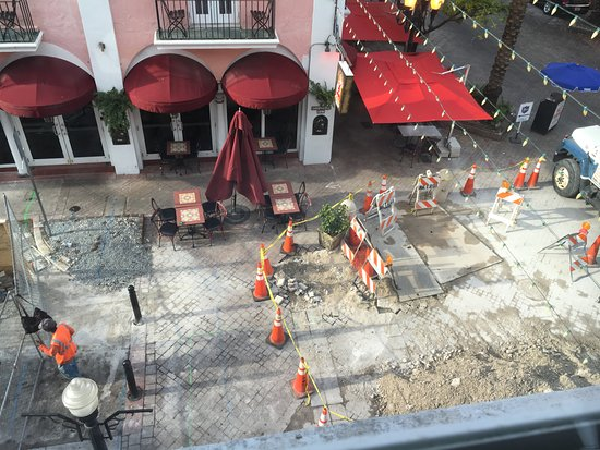 El Paseo Hotel: Building works outside.