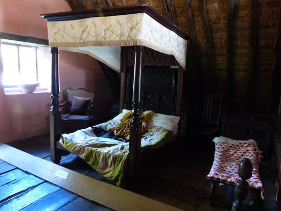Hutton le Hole, UK: Bedroom in the manor house
