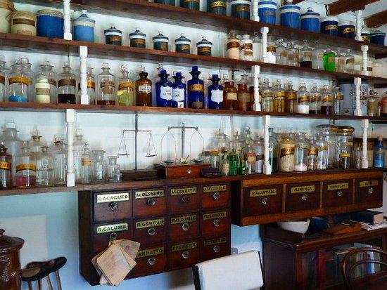 Hutton le Hole, UK: Chemist shop