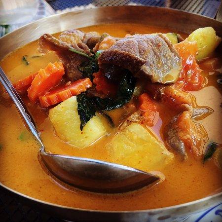 Carpinteria, CA: Roast Duck Curry.
