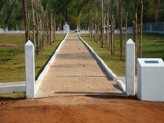 Jardim: Entrada cemitério