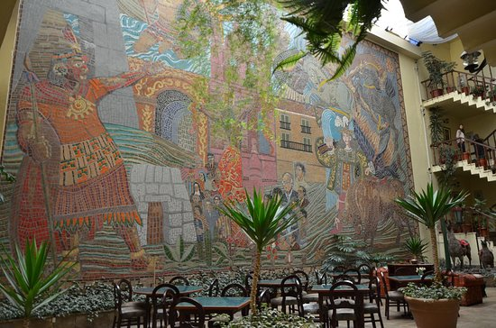 Royal Inka II: Mural estilo cusqueño
