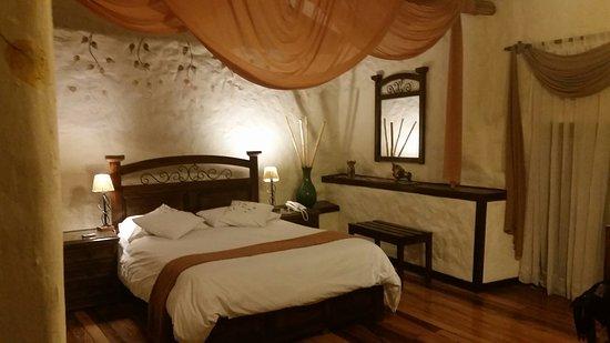 Unaytambo Hotel: 20160828_220627_large.jpg