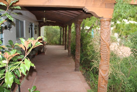 Casa Blanca Inn: Rooms overlooking the garden