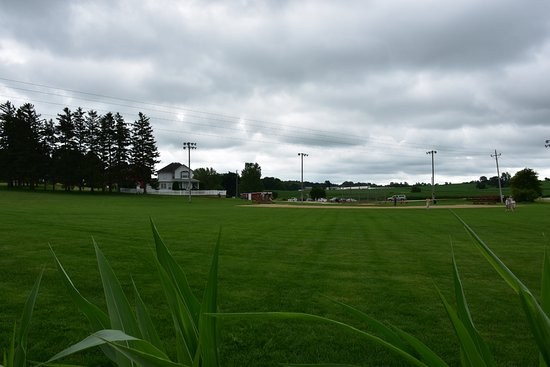 Dyersville, IA: The Field and house from the corn field