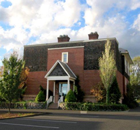 Bedminster, NJ: Center for Contemporary Art