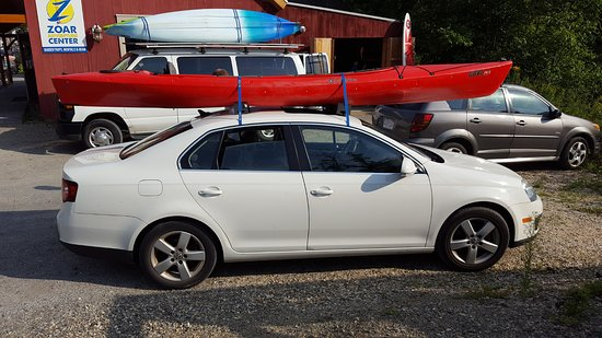 Уилмингтон, Вермонт: Kayak loaded on the car at Zoar