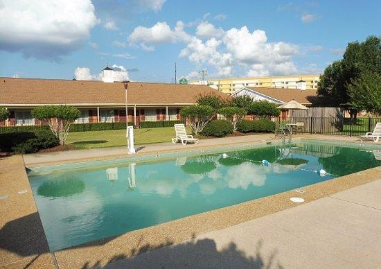 Meridian, MS: Outdoor Pool