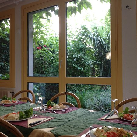 Charleville-Mezieres, Frankrike: salle PDJ et restaurant