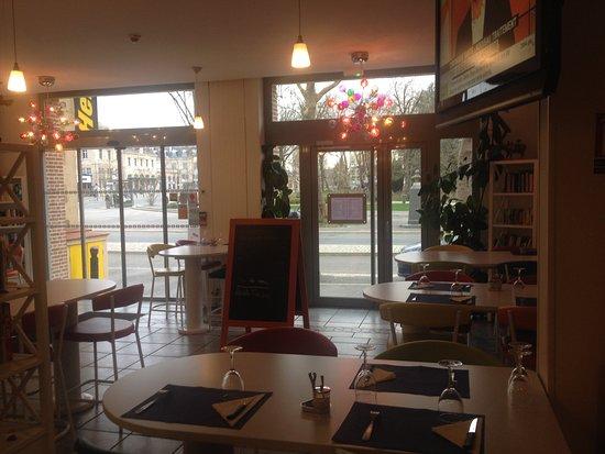 Charleville-Mezieres, Frankrike: restaurant