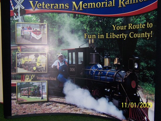 Veterans Memorial Railroad: Picture of the trains used in advertising.